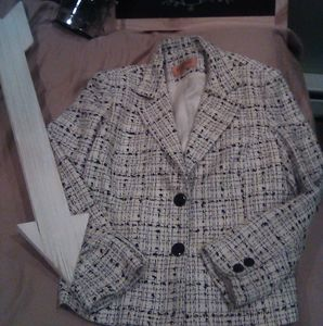 Bergamo by EBItwo-button tweed blazer